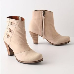 Anthropologie holding horses booties tan leather